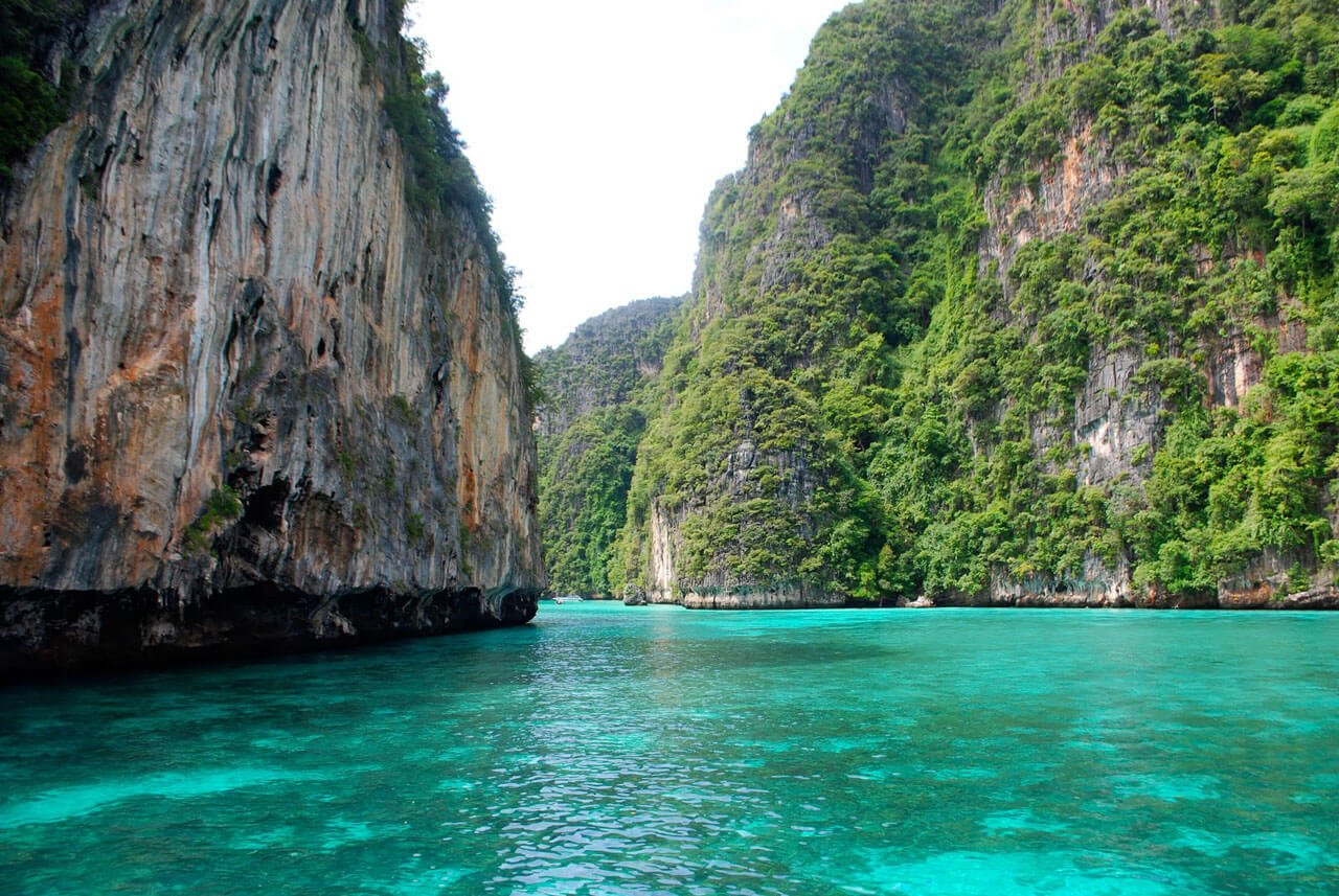 Phi Phi Islands Speedboat Charter From Phuket (Private Tour) - Pileh Lagoon